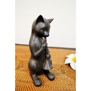 ブロンズ調に仕上がられたネコちゃんのオブジェ♪  クラリネットを優雅に演奏してます♪  少し大きめの...