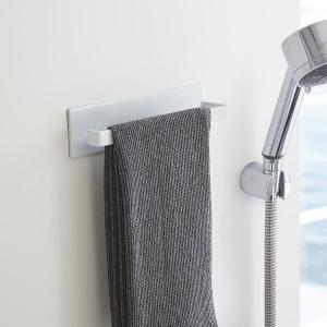 ■磁石がくっつく浴室壁面に ユニットバスなどのマグネットが使える浴室壁面用の収納用品。 マグネットで...