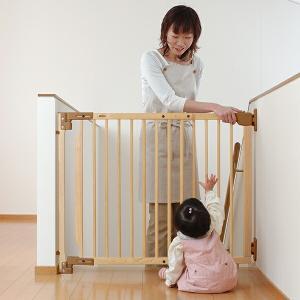 ■つまずかないから階段上にも安心! 足元に段差がないのでつまずく心配の少ない、バリアゲートです。 あ...