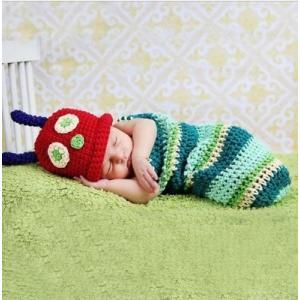 新生児用あおむしのコスプレ衣装です。 素材:コットン ニット サイズ:帽子筒周り約37cm 服長さ約...