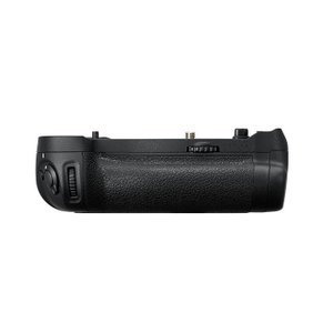 《新品アクセサリー》 Nikon (ニコン) マルチパワーバッテリーパック MB-D18|ymapcamera