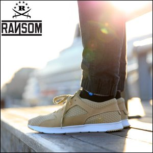 RANSOM/正規販売店 ●アクティブな大人の足元を上品に演出する、程よいクラシック感が目を惹くスポ...