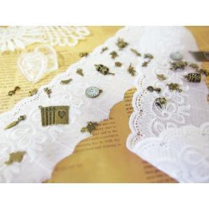 アンティークモダンレース(ホワイト 全長約1m 幅約9cm)あなたの洋服をもっとかわいらしく  手芸 編み 生地|ysayakobo