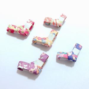 【当店オリジナル商品】  5色の和紙をあしらってデザインされた 御祝い事などにふさわしい箸置きを 京...