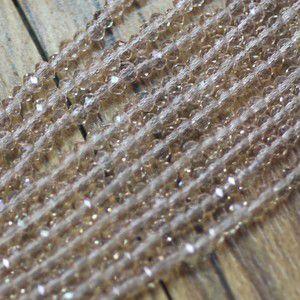 ボタンカットグラスビーズ 2ピーチ 2x2mm(1連/約200ヶ)|yu-beads-parts