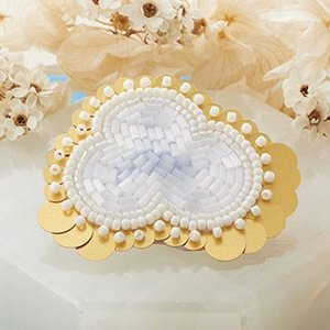 TOHOビーズ刺繍のアクセサリーキット「MAISON DE BRODERIE」メゾン ド ブロドゥリ MDB-1 CLOUD brooch  (メール便可・取り寄せ商品)|yucasiho
