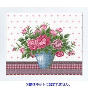 No.7479(オフホワイト) バラとライトブルーの花瓶 オリムパスクロスステッチキット 中〜上級向き (お取り寄せ)|yucasiho