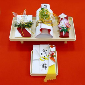 yuinou308 結納品の結納セット 三品目 結納金と指輪と末広のご結納品(長熨斗と目録と毛氈付き) yuinou-mizuhiki