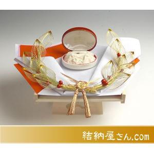 雅指輪・記念品用飾り台 (白木台足付)|yuinouyasan