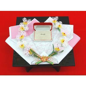 指輪・記念品用飾り台 (漆黒塗角台足付)|yuinouyasan