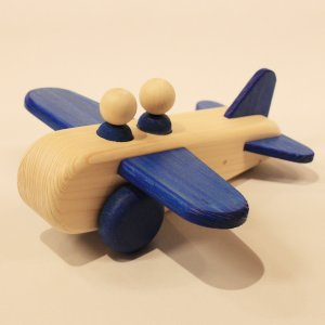 ぼくのひこうき 青(Air Plane-Blue)9612-B/アトリエ・ルーツ(Atelier ROOTS)/黒川昌樹(Masaqui Kurokawa)|yukainasakana