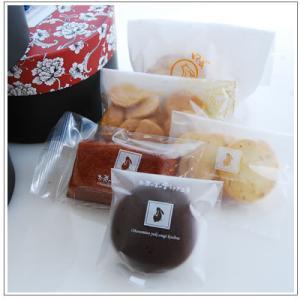 バレンタインのお返しに:ホワイトデーのクッキー・焼菓子詰合せ「いちごポシェット」 1080円|yukiusagi|03