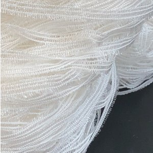 ナイロンラメを使用したサラサラした肌さわりの糸。  【素材】ナイロン80%     キュプラ20% ...