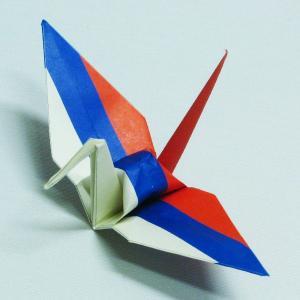 【ポスト便OK】 ロシアの国旗をデザインしたおりづる折り紙です。 計50枚入り。 わかりやすくイラス...