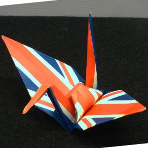 【ポスト便OK】 イギリスの国旗をデザインしたおりづる折り紙です。 計50枚入り。 わかりやすくイラ...