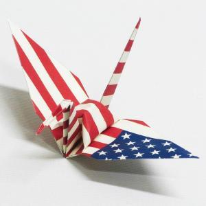 【ポスト便OK】 アメリカの国旗をデザインしたおりづる折り紙です。 計50枚入り。 わかりやすくイラ...