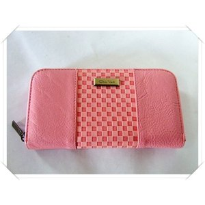 【訳あり】落ち着いた色合いのサーモンピンクのレディース格子柄ラウンドタイプ長財布|yumenoren