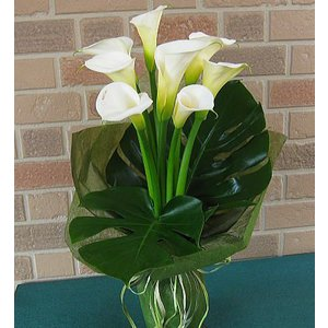 誕生日や結婚記念日のプレゼントに花びらメッセージ入り:彼女が大好きなカラーの花束・ウェディングマーチ|yummy