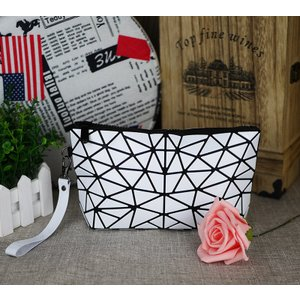 ポーチ レディース 小物入れ コインケース 收納バッグ 幾何模様 菱形グリッド ファスナー式 化粧ポーチ シルバー メイクポーチ 大容量|yutaka-s