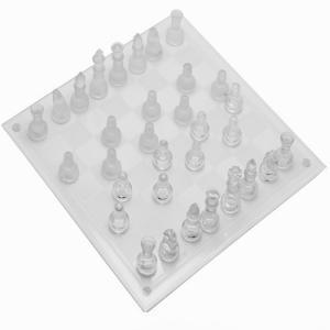 遊び用はもちろんインテリアとしても大人気品です!  綺麗なオールガラス製のチェスセットは上品なデザイ...
