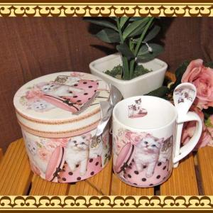 贈り物に最適♪ ドット模様のボックスに入った可愛いねこちゃんのイラストのスプーン付きマグカップ ギフトボックス付きです zakkakirara