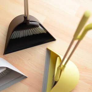 【ほうき ちりとり セット SWEEP】  掃除機を出すほどではない。そんな毎日のちょっとしたお掃除...