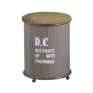 収納をオシャレに演出してくれる蓋付きの収納ボックス。  古びた風合いの木のふたを開けると収納できます...