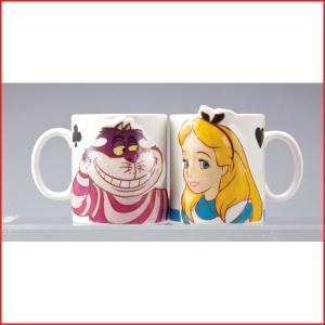 不思議の国のアリスのマグカップ  アリスとチシャ猫のマグカップが1個ずつ入ったセットになっています。...