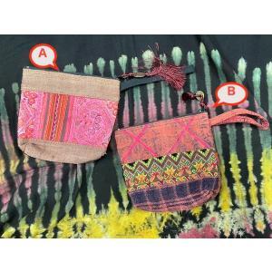 エスニックポーチ モン族 古布 刺繍 2種 ピンク系 ストラップ|zakkayakaeru