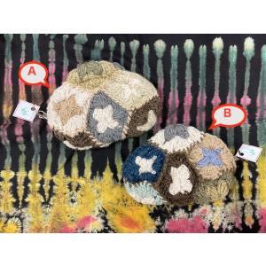 ニットが可愛いポーチ 2種 おにぎり型 お花 ニットパッチワーク|zakkayakaeru