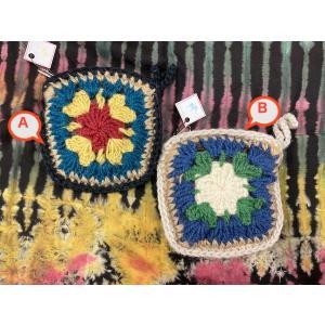 ニットが可愛いポーチ 2種 スクエア型 お花 ニットパッチワーク|zakkayakaeru
