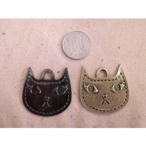 猫チャーム ねこ 両面ネコの顔 2カラー 金古美 黒 メタリックブラック アンティークゴールド アクセサリーチャーム ハンドメイド パーツ add51884s|zakkayakaeru