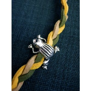 カエル蛙ブレスレットC  生き物 フリーサイズ(調節可)  ベージュとバナナ色とダークグリーン 黄色 緑 かえる|zakkayakaeru