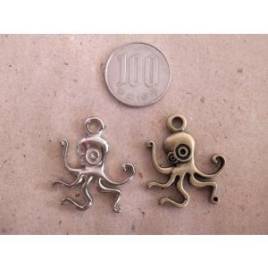 蛸チャーム タコ たこ オクトパス 2カラー 金古美 銀 シルバー アンティークゴールド アクセサリーチャーム ハンドメイド パーツ add51884s|zakkayakaeru