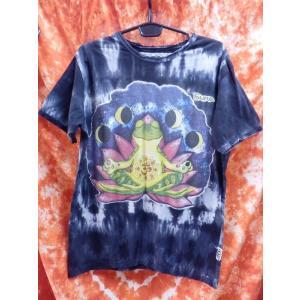メンズTシャツ/カエル 蛙 かえる ヨガ yoga ブラック系 メンズL エスニック アジアン フェス sure|zakkayakaeru