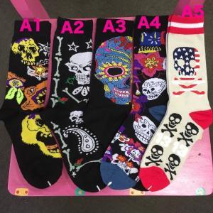 色んなスカル ガイコツ メキシカンスカル フリーサイズソックス 靴下 メンズ レディース  エスニック アジアン 23〜27cm|zakkayakaeru