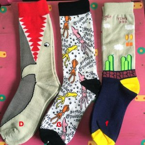 サメ イカ ゲーム? フリーサイズソックス 靴下 メンズ レディース  エスニック アジアン 23〜27cm|zakkayakaeru