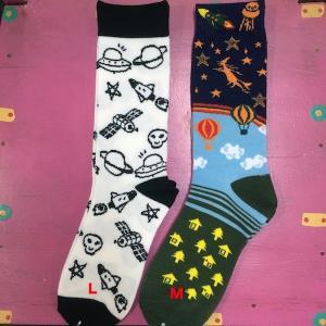 宇宙&スカル 地球&気球&宇宙 フリーサイズソックス 靴下 メンズ レディース  エスニック アジアン 23〜27cm|zakkayakaeru