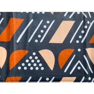 アフリカンプリント 生地 アフリカ布002 黒地 幅118 長さ90 手作り ハンドメイド zakkayakaeru