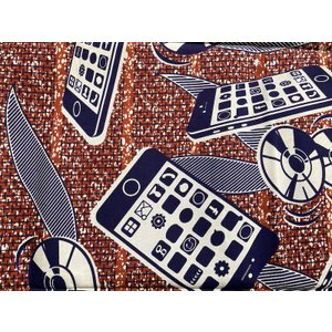 アフリカンプリント 生地 アフリカ布003 スマホ柄 ディスク柄 幅118 長さ90 手作り ハンドメイド zakkayakaeru