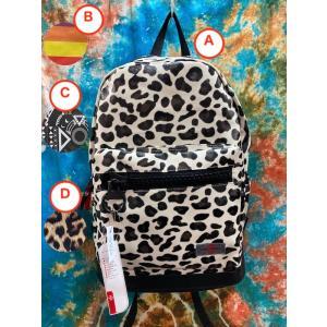 ド派手を背負って歩こう!PVC素材のリュックサックBIG 4種類 雪豹柄 レオパード柄 虹 レインボー エスニック タブレット用内ポケットあり バックパック|zakkayakaeru