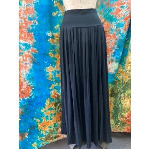 送料込 黒いロングスカート マキシ丈スカート フリーサイズ ブラック 大人のロングスカート ギャザースカート zakkayakaeru