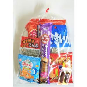 【商品内容】 カルビー28gポテトチップスうすしお味小袋、47gプチチョコラングドシャ、亀田製菓柿の...
