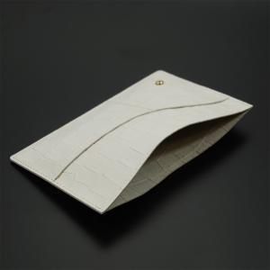 国産レザー 型押し クロコダイル 保険証 お薬手帳 が入る バッグイン スリム マルチ カードケース(オフホワイト) ギフトにおすすめ|zeppinchibahonpo|05