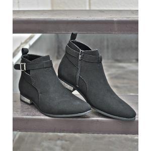 ブーツ 履いた時のシルエットがきれいなベルトヒールデザインショートブーツ