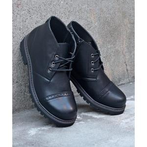ブーツ 様々なスタイルに取り入れやすいトゥーキャップチャッカーブーツ/8026