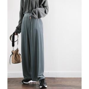 パンツ 履きやすいのに高級感。ベロアコール無地イージーワイドパンツ