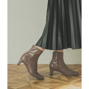 ブーツ ストレッチショートブーツ