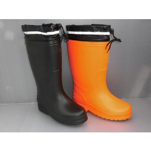 高品質の長靴製造で人気の高いE-STYELから超軽量 (片足460g) の防寒 防雪長靴がデビュー!...