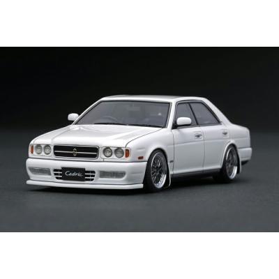 Nissan Cedric (Y32) Gran Turismo Ultima White (1/43スケール IG1262)の商品画像